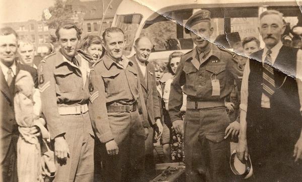 Terug uit Indië, 27 juli 1948.